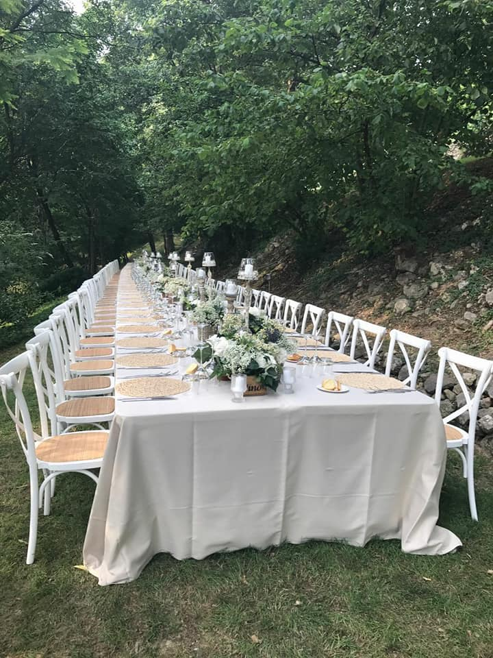 tavola-matrimonio-in-giardino.jpg